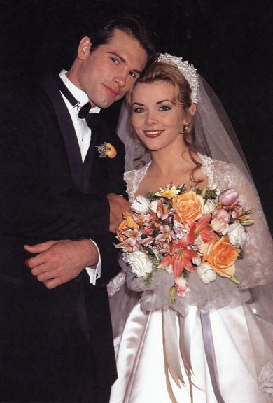 Austin-and-Carrie-Wedding-days-of-our-lives-69564_390_576.jpg
